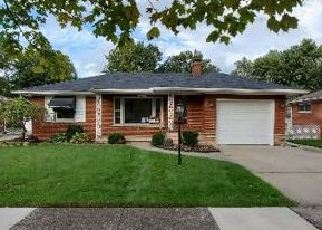 Foreclosed Home in Harper Woods 48225 BROADSTONE ST - Property ID: 4418781117