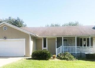 Foreclosed Home in Peculiar 64078 MAVERICK CIR - Property ID: 4418813991