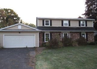 Foreclosed Home in Rochester 14624 CHI MAR DR - Property ID: 4418941427