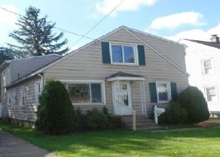 Foreclosed Home in Erie 16504 E 34TH ST - Property ID: 4419011505