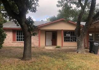 Foreclosed Home in San Antonio 78223 GREEN TRAIL DR - Property ID: 4419075444