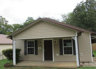 Foreclosed Home in Longview 75601 N 10TH ST - Property ID: 4419079835