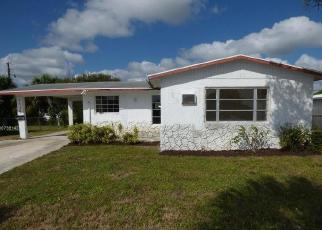 Foreclosed Home in West Palm Beach 33404 AVENUE S - Property ID: 4419159538