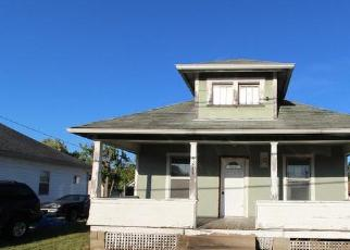 Foreclosed Home in Parkersburg 26101 14TH AVE - Property ID: 4419175301