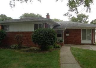 Foreclosed Home in Livonia 48154 LYONS ST - Property ID: 4419201584