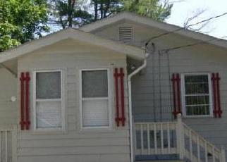 Foreclosed Home in Saco 04072 STUART ST - Property ID: 4419293560