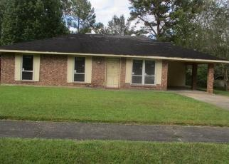 Foreclosed Home in Baker 70714 JUNO DR - Property ID: 4419306702