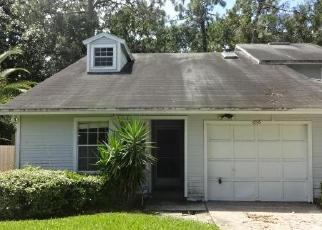 Foreclosed Home in Jacksonville 32257 WANDERING OAKS CT - Property ID: 4419431972