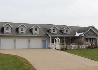 Foreclosed Home in Suamico 54173 LONGVIEW LN - Property ID: 4419659708