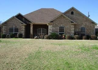 Foreclosed Home in Longview 75602 TOWERING OAKS LN - Property ID: 4419776649