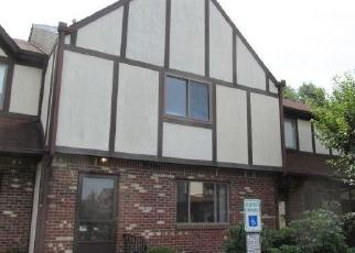 Foreclosed Home in Trenton 08628 COVENTRY SQ - Property ID: 4419862935