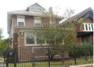 Foreclosed Home in Chicago 60649 S PAXTON AVE - Property ID: 4419913735