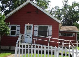 Foreclosed Home in Croydon 19021 CEDAR AVE - Property ID: 4419921166