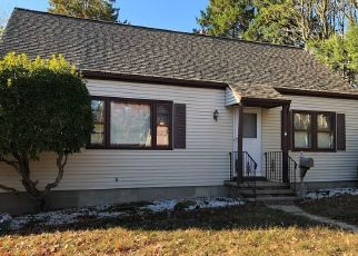 Foreclosed Home in Bridgeport 06610 ROGER WILLIAMS RD - Property ID: 4419996952