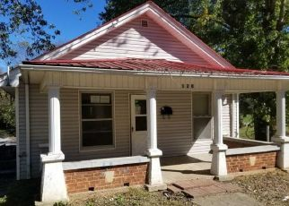 Foreclosed Home in Somerset 42501 MURPHY AVE - Property ID: 4420029803