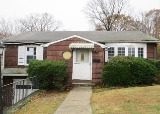 Foreclosed Home in Waterbury 06708 MARTONE ST - Property ID: 4420271556