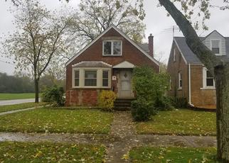 Foreclosed Home in Chicago Heights 60411 HILLCREST AVE - Property ID: 4420356971