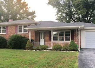Foreclosed Home in Hopkinsville 42240 LINDA DR - Property ID: 4420400762