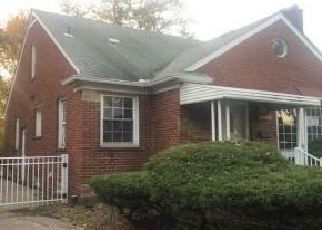 Foreclosed Home in Allen Park 48101 KOLB AVE - Property ID: 4420475201