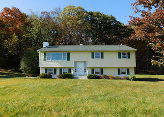 Foreclosed Home in Wappingers Falls 12590 ROBINSON LN - Property ID: 4420606605