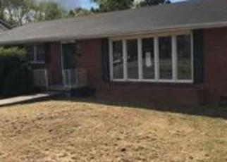 Foreclosed Home in Hohenwald 38462 S WALNUT ST - Property ID: 4420739304