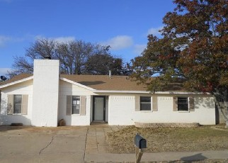 Foreclosed Home in Levelland 79336 HOLLY ST - Property ID: 4420761203