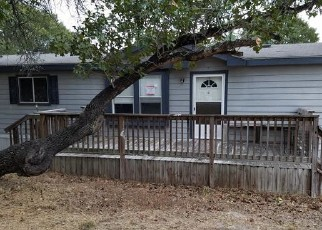 Foreclosed Home in Elmendorf 78112 RED MOUNTAIN DR - Property ID: 4420765139