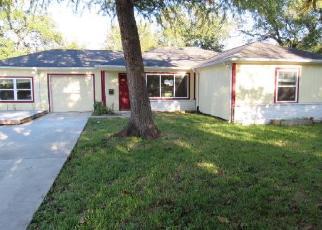 Foreclosed Home in Pasadena 77502 CARDINAL CIR - Property ID: 4420785289
