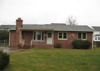 Foreclosed Home in Chesapeake 23320 MAINS CREEK RD - Property ID: 4420801950