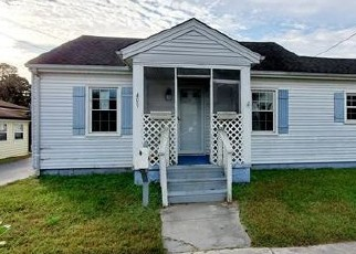 Foreclosed Home in Suffolk 23434 NANSEMOND AVE - Property ID: 4420828661