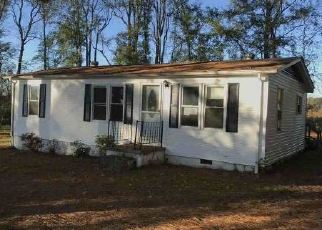 Foreclosed Home in Dinwiddie 23841 COURTHOUSE RD - Property ID: 4420829534