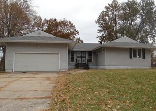 Foreclosed Home in Kansas City 66109 N 104TH TER - Property ID: 4420864123