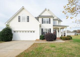 Foreclosed Home in Browns Summit 27214 CHILCUTT DR - Property ID: 4420882976