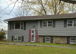 Foreclosed Home in Kiamesha Lake 12751 LAKEVIEW DR - Property ID: 4420902681