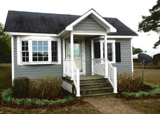 Foreclosed Home in Lancaster 22503 MERRY POINT RD - Property ID: 4420908813