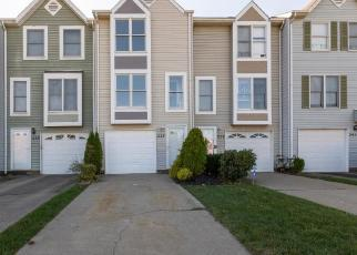 Foreclosed Home in Oakdale 15071 HAWTHORNE DR - Property ID: 4420957872