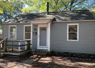 Foreclosed Home in Newport News 23605 MARSHALL AVE - Property ID: 4421012161
