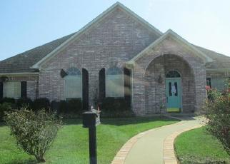 Foreclosed Home in Marshall 75672 GARDEN VISTA DR - Property ID: 4421017870