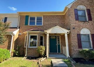Foreclosed Home in Hampton 23666 N LAKE LOOP - Property ID: 4421023556