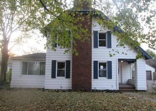Foreclosed Home in South Bend 46628 COLLEGE ST - Property ID: 4421116851