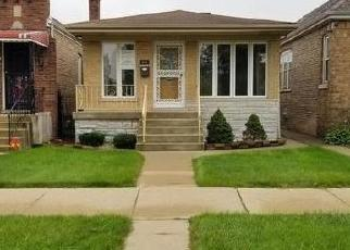 Foreclosed Home in Chicago 60628 W 99TH PL - Property ID: 4421349404