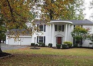 Foreclosed Home in Chesterfield 63017 RIDGECREST DR - Property ID: 4421352927