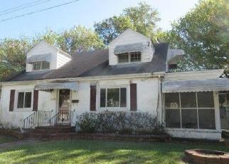 Foreclosed Home in Norfolk 23502 OAK AVE - Property ID: 4421383123