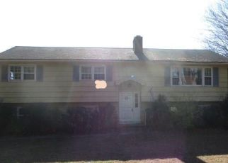 Foreclosed Home in Monroe 06468 MOUNTAINSIDE DR - Property ID: 4421442253