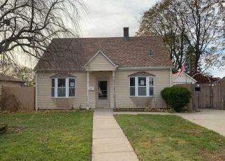 Foreclosed Home in Levittown 11756 CENTER LN - Property ID: 4421444446