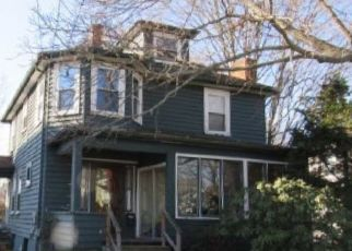 Foreclosed Home in Peabody 01960 PALMER AVE - Property ID: 4421470734
