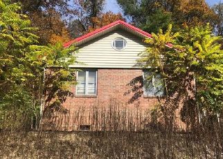 Foreclosed Home in Welch 24801 CORNELL AVE - Property ID: 4421579340