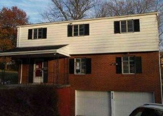 Foreclosed Home in Bethel Park 15102 N LIGHTWOOD AVE - Property ID: 4421637595