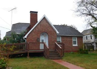 Foreclosed Home in Evansville 62242 BROAD ST - Property ID: 4421673959