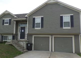 Foreclosed Home in Belton 64012 BERKSHIRE DR - Property ID: 4421675256